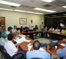 El Vicerrectorado Administrativo y los obreros de Maracay en mesa de trabajo